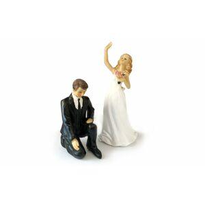 Kľačiaci ženích a mávajúca nevesta 50% akcia - svadobná figúrky na tortu -